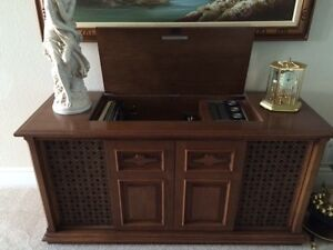 Armada TR50 Stereo with wood cabinet by Deilcraft