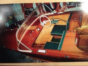 VINTAGE 1957 MAHOGANY OUTBOARD RUNABOUT RESTORED BEAUTIFUL BOAT