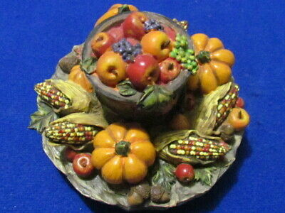 Yankee Candle Fall harvest Candle Topper with Apples, Pumpkins & Indian Corn