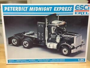 Peterbilt Midnight Express truck model 1:25