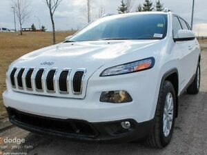 2016 Jeep Cherokee North 4x4 - Rear Back Up Camera - Heated Stee