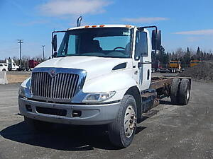 International 4300 single axle cab & chassis