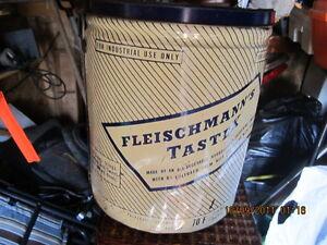 old  shortening tin