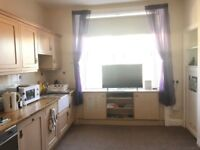 BEAUTIFUL 1 BEDROOM FLAT IN MEADOWBANK CRESCENT !!! AVAILABLE NOW
