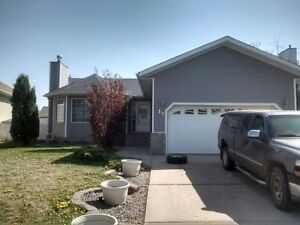 LOWER UNIT AVAILABLE IMMEDIATELY TOWN OF MILLET
