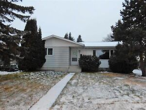 4 Bedroom Bungalow in Morinville for Rent!