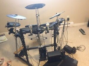 Roland TD3 with Yamaha (MS100DR) drum monitor system