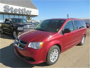2016 Dodge Grand Caravan SE/SXT LOW KMS!!  REAR DVD!