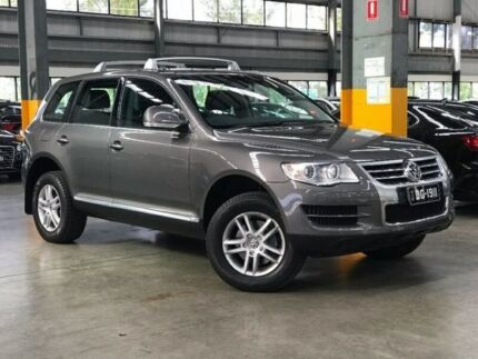 2009 Volkswagen Touareg 7L MY09 V6 FSI 4XMOTION Atacama Grey 6 Speed Sports Automatic Wagon Port Melbourne Port Phillip Preview
