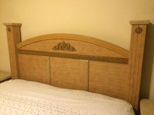 Oak Finish 6 piece king bedroom set - Excellent condition!!! Kitchener / Waterloo Kitchener Area image 5