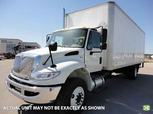 2017 International 4300 SBA 4X2, New Dry Van