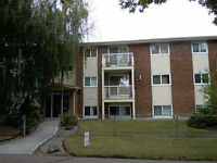 PERFECT STARTER--3BDR--PRIME LOC--TOP FLR-LOW FEES-JUST $149,900