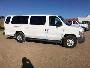 2011 Ford Econoline PST Paid 15 pass Financing and Warranty