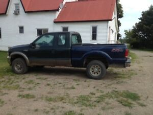 2002 Ford F-250 XL Pickup Truck Parting out