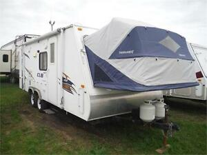 2008 Aerolite Cub 214 Ultra Lite Hybrid Trailer with Slideout