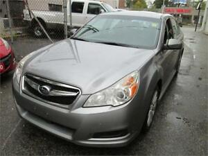 2010 Subaru Legacy H4 Limited 2.5 AWD Leather| Sunroof.