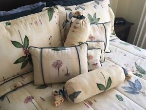 15-pc Queen duvet/bedding set - Croscill Gazebo Botanica
