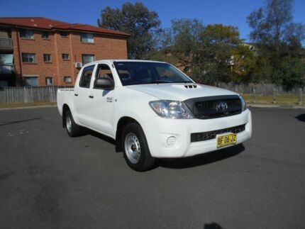 2009 Toyota Hilux KUN16R 09 Upgrade SR White 5 Speed Manual Dual Cab Pick-up Bankstown Bankstown Area Preview