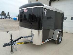 SMALL ENCLOSED CARGO TRAILER - 2016 ATLAS 5X8 - BUILT STRONG London Ontario image 2