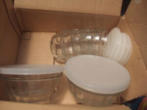 new glass set of 2 big bowls and 6 small bowls