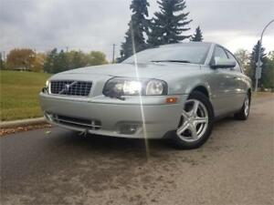 2004 Volvo S80 AWD - 2.5L TURBO - LOADED - NO ACCIDENTS