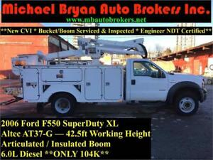2006 FORD F550 - 42.5FT BUCKET TRUCK *ARTICULATED / INSULATED*