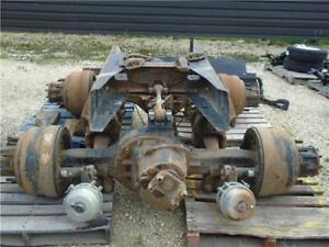 2000 Eaton 4000 lbs Rear Axle Assembly