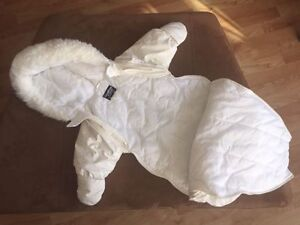 Car seat/ Stroller bunting cuddle bags Like new!