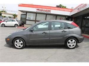 2004 Ford Focus *ZX5 Premium* / LOW KMs  .AUTO.  LEATHER . SUNRO Kitchener / Waterloo Kitchener Area image 3