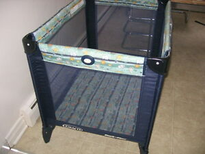 GRACO PACK AND PLAY PLAYPEN - EXCELLENT CONDITION
