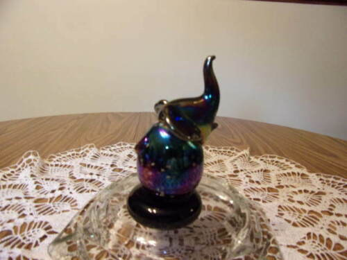 I.W. RICE AND CO. PURPLE CARNIVAL GLASS ELEPHANT W/WHITE SPOTS AND STICKER
