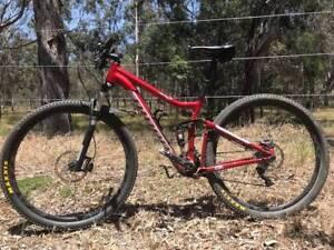Niner Jet 9 Full Suspension Mountain Bike w/ Shimano Fox RockShox