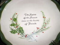 NEW HOLIDAY PIE PLATE OVENPROOF 5.00