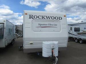 ***HANDY MAN SPECIAL SOLD AS IS***33 FT ROCKWOOD 8317SS