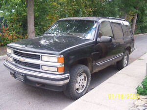 1995 Chevrolet Tahoe LS Full Sized SUV, 1500 Series Cornwall Ontario image 1