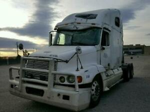 2000 Freightliner Conventional FLC120 Detroit Diesel Parts Out