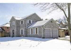 FAMILY HOME IN A GREAT COMMUTER LOCATION NEAR 401 & TOWNLINE RD.