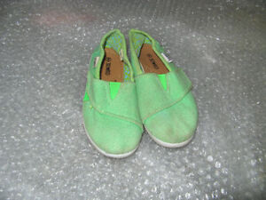 Girls and boys shoes/ sandals sizes Kingston Kingston Area image 3