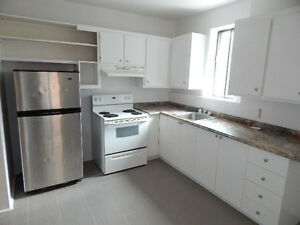 1 MONTH FREE - Beautiful HUGE apartment 4.5 - NDG near everythin