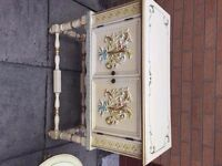 VINTAGE FRENCH STYLE SHABBY CHIC ANTIQUE CREAM SMALL SIDEBOARD CABINET CUPBOARD