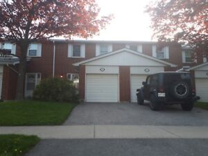 Three bedroom townhouse with basement Thornhill