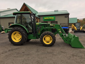 2015 JOHN DEERE 5100E - CAB TRACTOR WITH LOADER - LOW HOURS