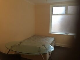 Cheap room available bills included