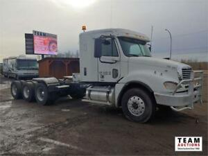 2010 Freightliner Columbia Tri/A Highway Tractor