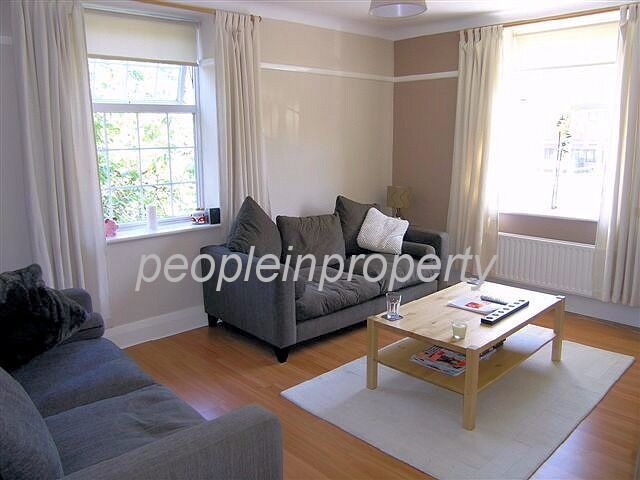 Need To Move In January ?? 3 Double Bedroom Flat 5 Minute Walk To The Heart of Kingston !!!
