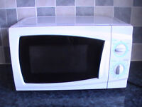 Microwave 750w white good size and in good working order