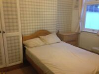 One double bedroom for a single person in Muslim family home £460