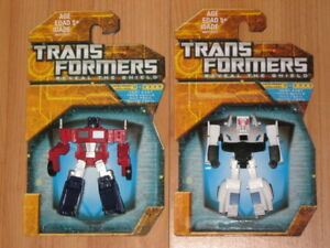 TRANSFORMERS LEGENDS G1 OPTIMUS PRIME & PROWL MWC