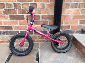 Child's Stompee balance bike, excellent condition, pink, 2-6 years