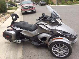 2014 Can - Am Spyder ST Limited SE 5 (Low MIleage) Pending